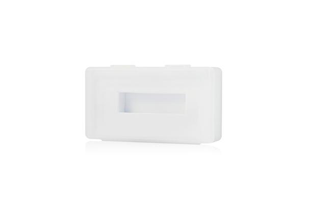 Универсальная пластиковая коробка для флешки